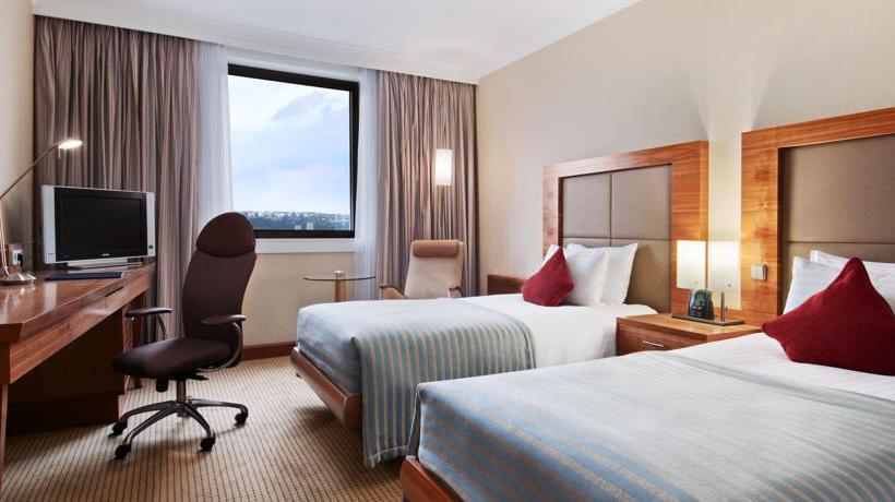 Hilton prague hotel em praga desde 42 destinia for Hotel amadeus prague tripadvisor