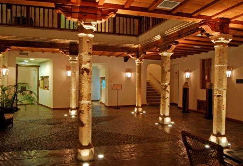 Hôtel Puerta de La Luna Baeza
