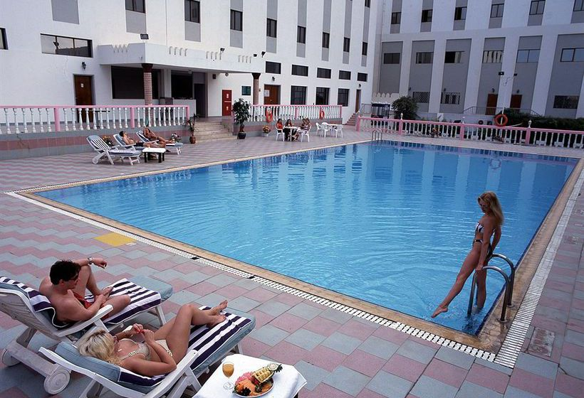 Swimming pool Hotel Al Madinah Holiday Muscat