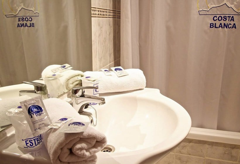 Bathroom Benidorm Celebrations Pool Party Resort - Adults Only بينيدورم