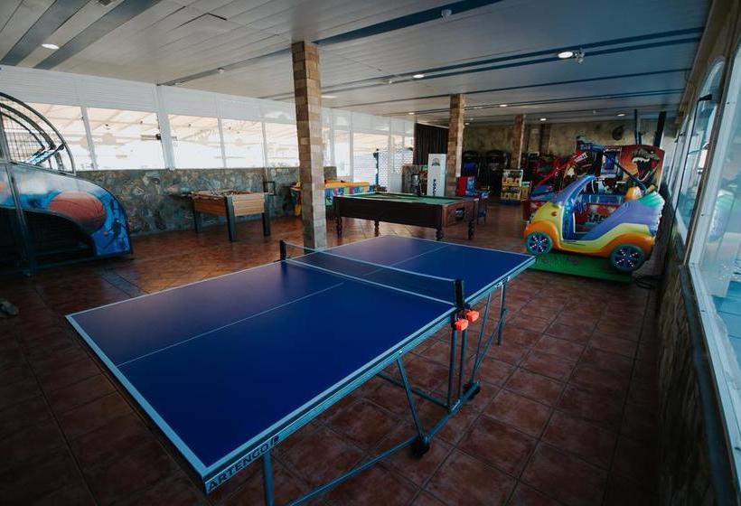 Swimming pool Aparthotel Servatur Puerto Azul Playa de Amadores