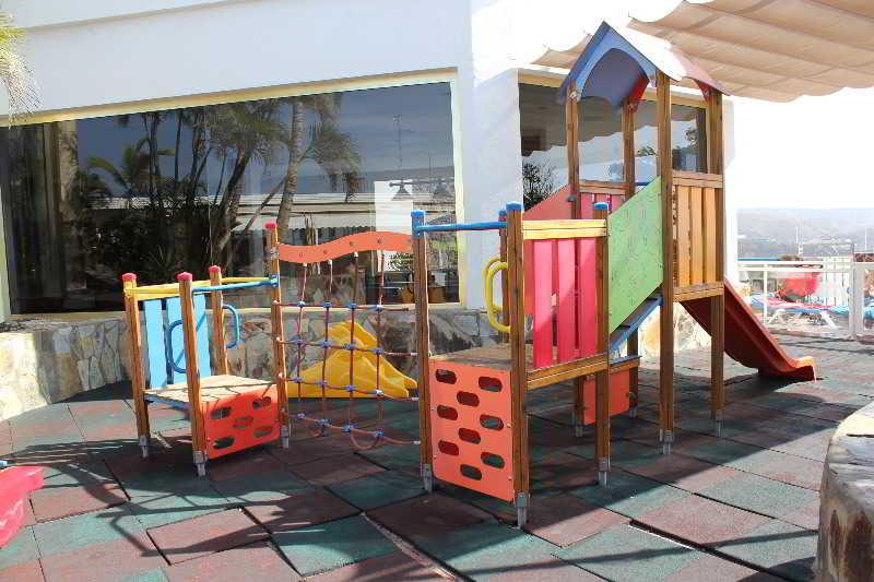 Children?s facilities Aparthotel Servatur Puerto Azul Playa de Amadores