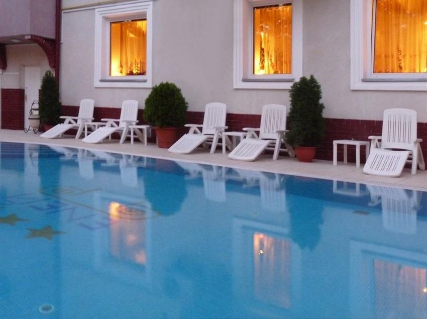 فندق Eney لفيف
