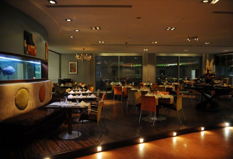 کافه هتل The Palms Beach & Spa کویت