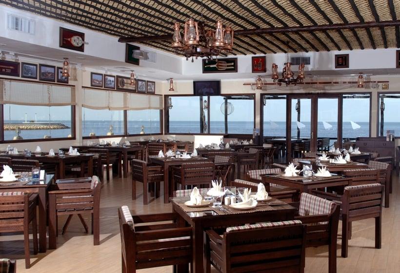 رستوران هتل The Palms Beach & Spa کویت