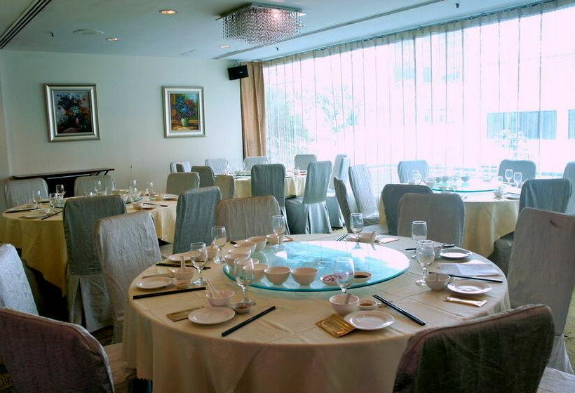 هتل Royal At Queens سنگاپور