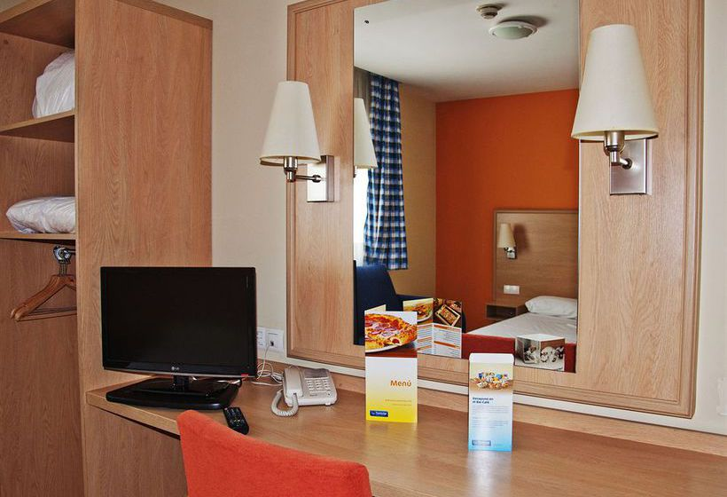 هتل Travelodge Torrelaguna مادرید