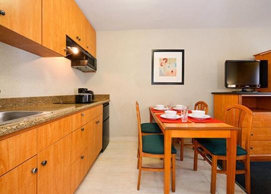 Comfort Inn & Suites Hotel Circle  سان دييجو