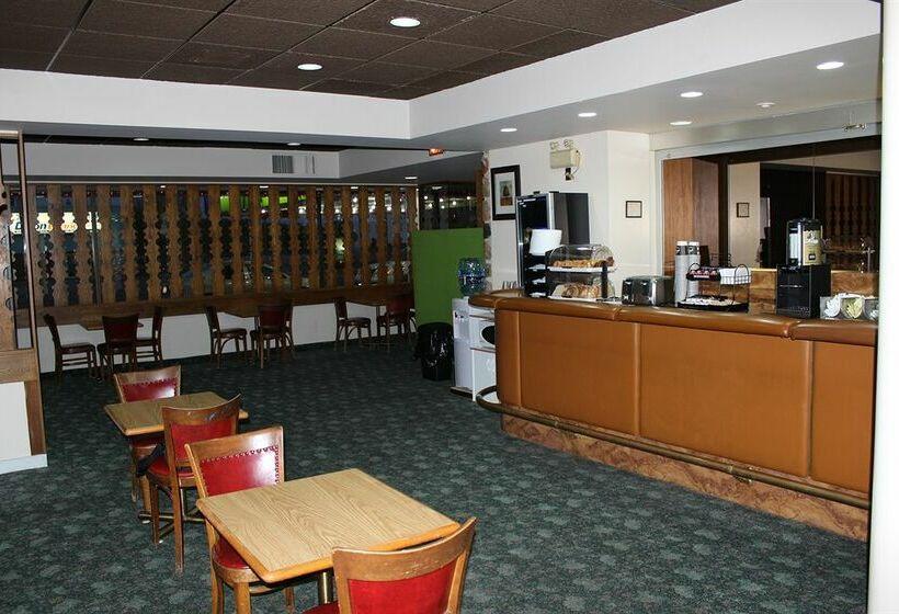 Hotel Knights Inn Sudbury
