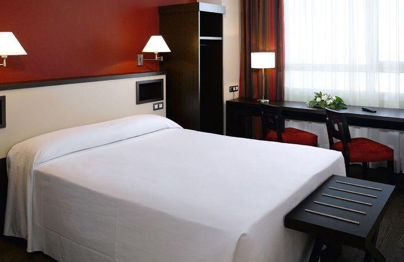 ホテル NH Sant Boi サン・ボイ・デ・リョブレガート