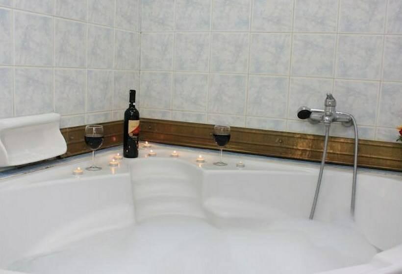 Cuarto de baño Hotel Hellinis Atenas