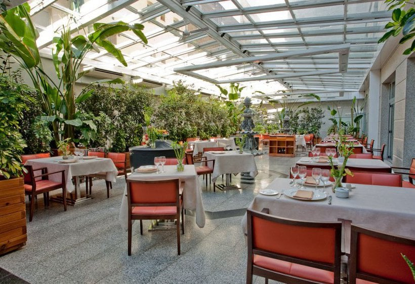 Hotel vp jard n metropolitano in madrid starting at 21 for Restaurante casa jardin