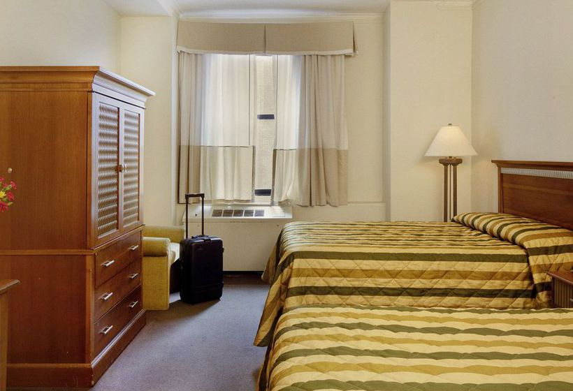 New York's Hotel Pennsylvania نیویورک