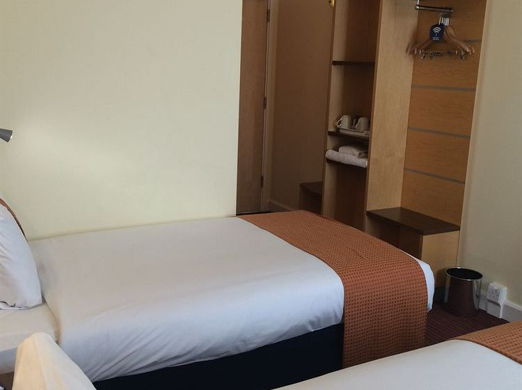 Hotel Holiday Inn Express Liverpool John Lennon Airport