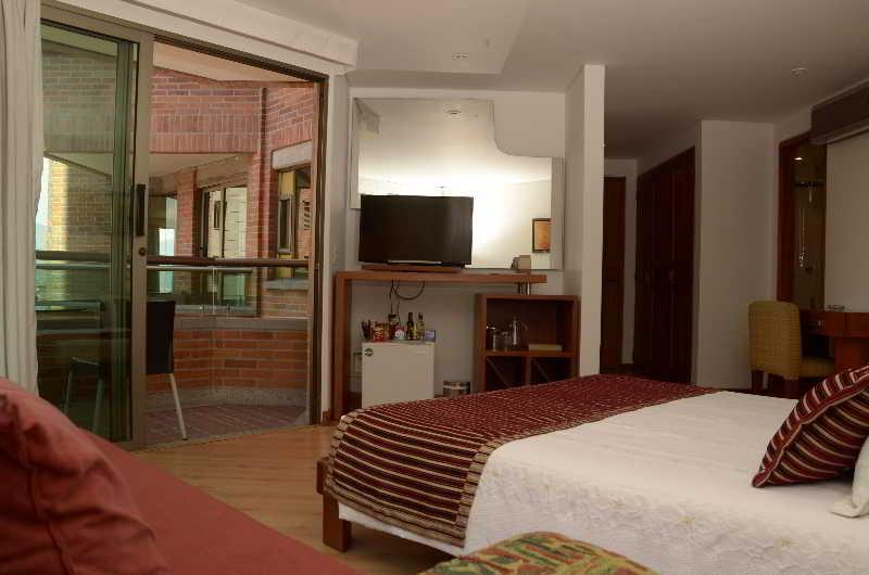 Casa victoria hotel em medell n desde 21 destinia - Hotel casa victoria suites ...