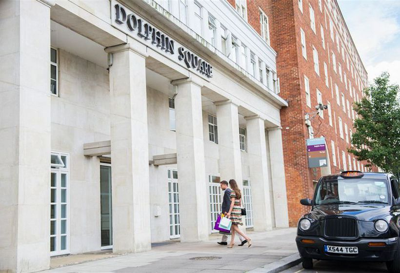 Buitenkant Dolphin House Londen