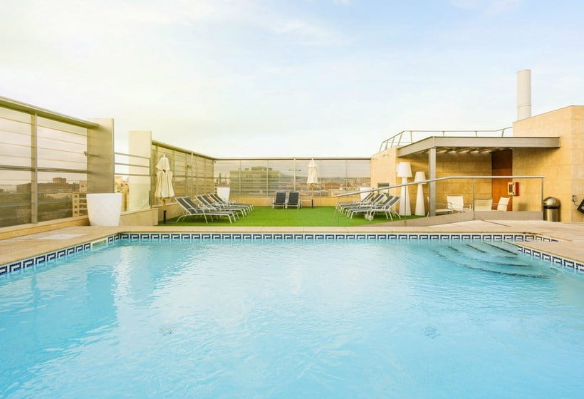 Zwembad Hotel Ilunion Barcelona