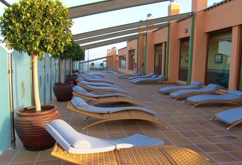 Hotel apartamento martin alonso pinz n in mazagon for Terrace hotel contact number