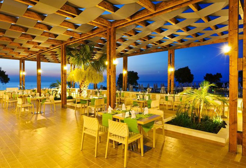 Oceanis Beach Resort بساليدي
