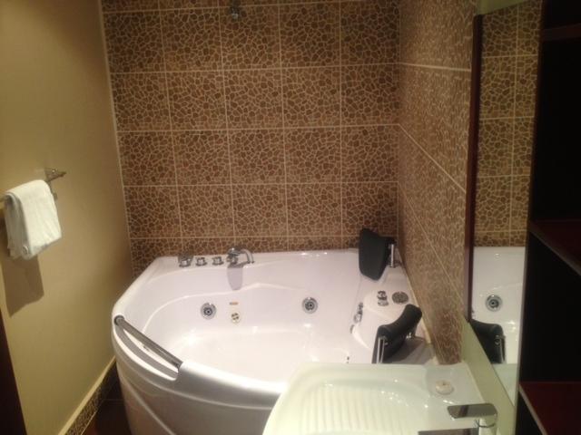 حمام هتل Times Square Suite کویت