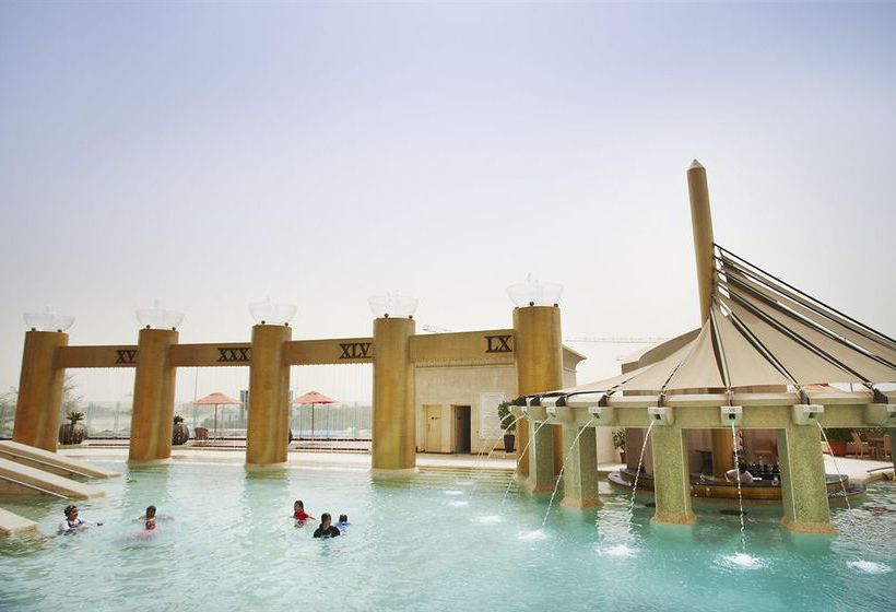 Swimming pool Hotel Raffles Dubai