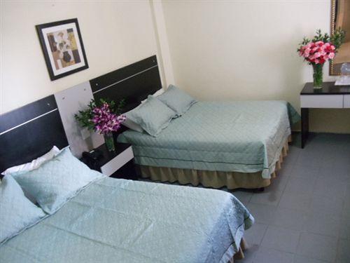 ホテル Dos Mares パナマ市
