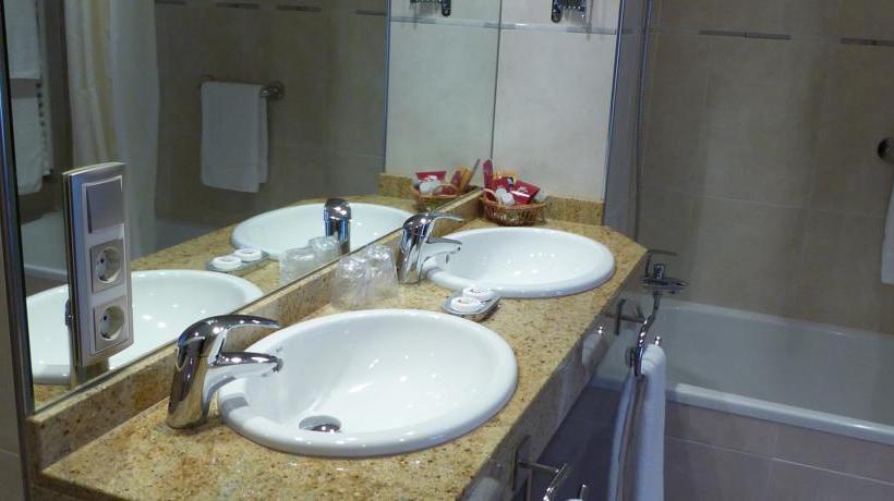 Salle de bain Hôtel Les Truites Pas de la Case