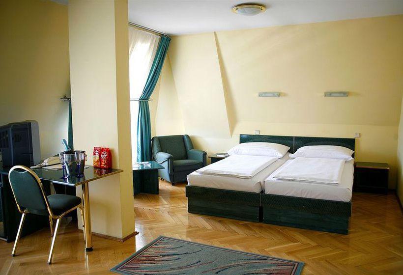 Hotel Bara Budapeste