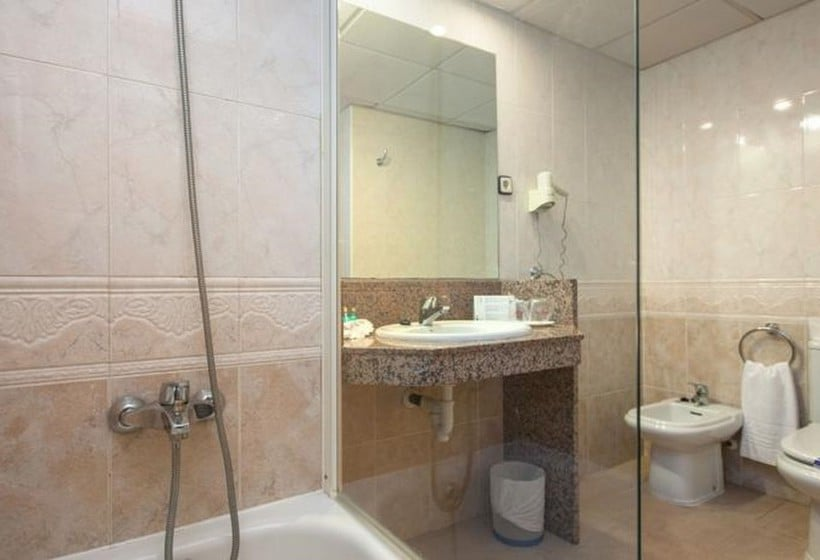 Bathroom Hotel Dorada Palace Salou