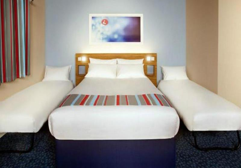 فندق Travelodge Edinburgh Airport إدنبرة
