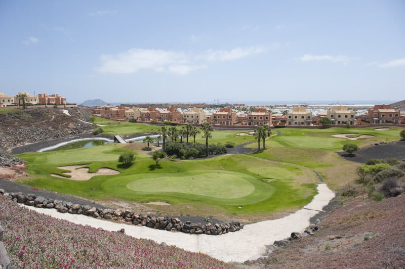 Outside Hotel Mirador de Lobos Golf Corralejo