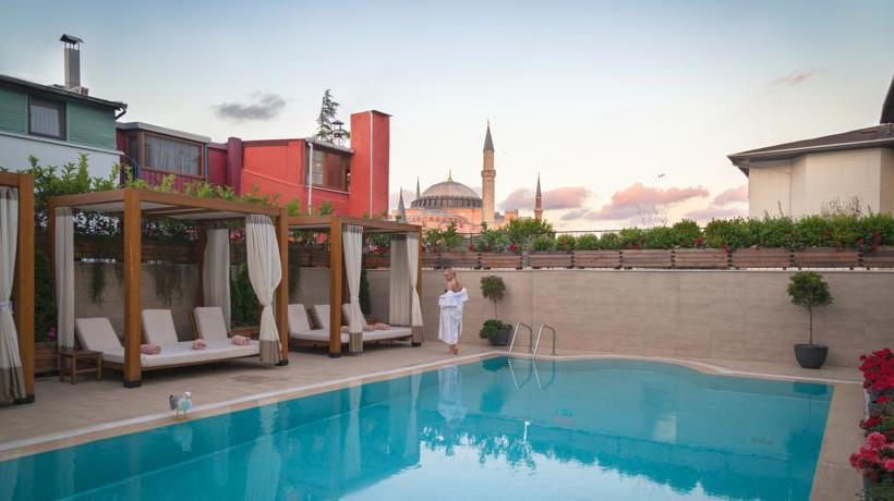 Piscina Hotel Sura Design & Suites  Istambul