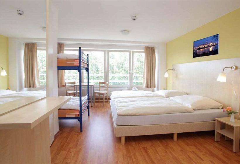 A&O Hotel & Hostel Hamburg City Sud Hamburgo