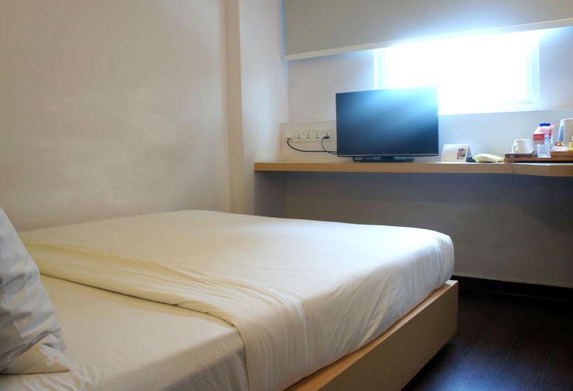 Amaris Hotel by Santika Singapur