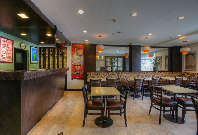 Hotel fersal place em quezon city desde 22 destinia for Terrace 45 quezon city