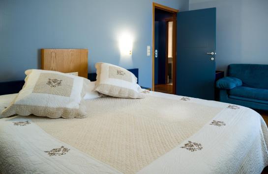H tel aquarelle seneffe les meilleures offres avec destinia for Aquarelle piscine hotel seneffe