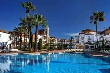 Piscina Hotel Barceló Isla Canela