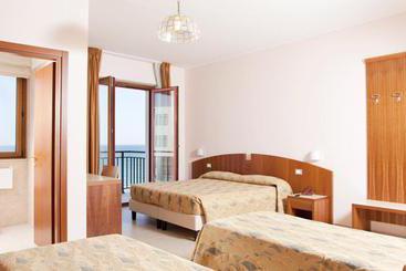 Hotel mistral termoli le migliori offerte con destinia for Hotel mistral milano
