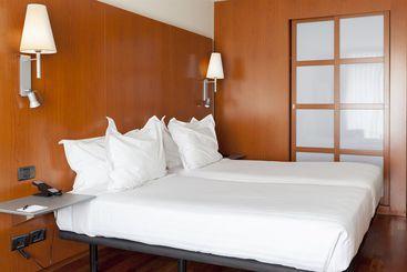 AC Hotel La Rioja - ログローニョ