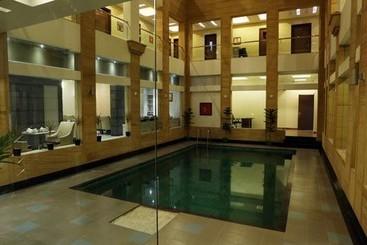Внешний Отель Chirag Биканер