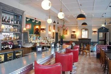 Travelodge London Covent Garden Hotel, England - TripAdvisor