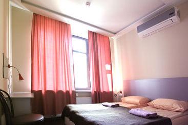 Privet Hostel - Moscú