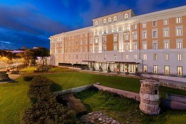 NH Collection Palazzo Cinquecento - Roma