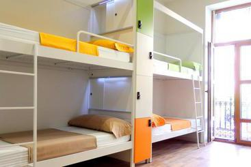 Urban Youth Hostel - Valencia