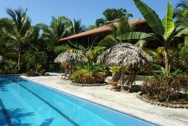 Bluff Beach Retreat - Bocas del Toro