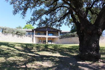 Live Oak Bed And Breakfast Glen Rose Texas