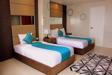 Xyz hotel tacloban city the best offers with destinia for Swimming pool in tacloban city