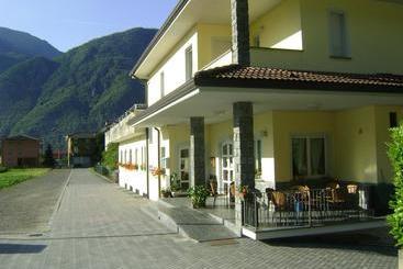 Hotel Relais Bagni Masino Terme & Spa, Val Masino: le migliori ...