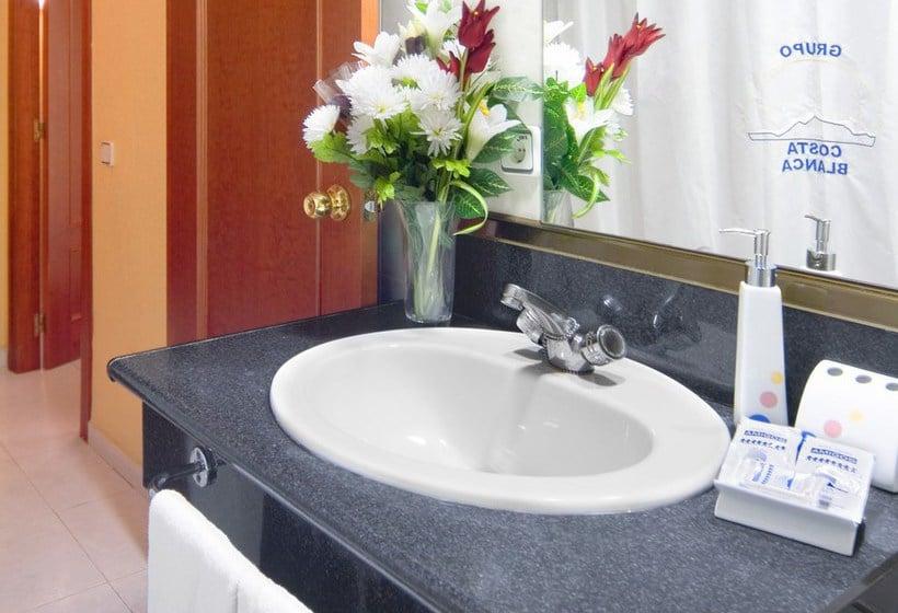Bathroom Hotel Magic Fenicia Benidorm