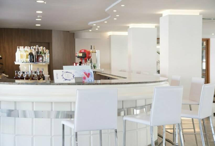 Cafeteria Hotel Roc Leo Can Pastilla